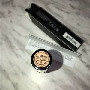 Anastasia Beverly Hills Foundation Stick Shade Tan